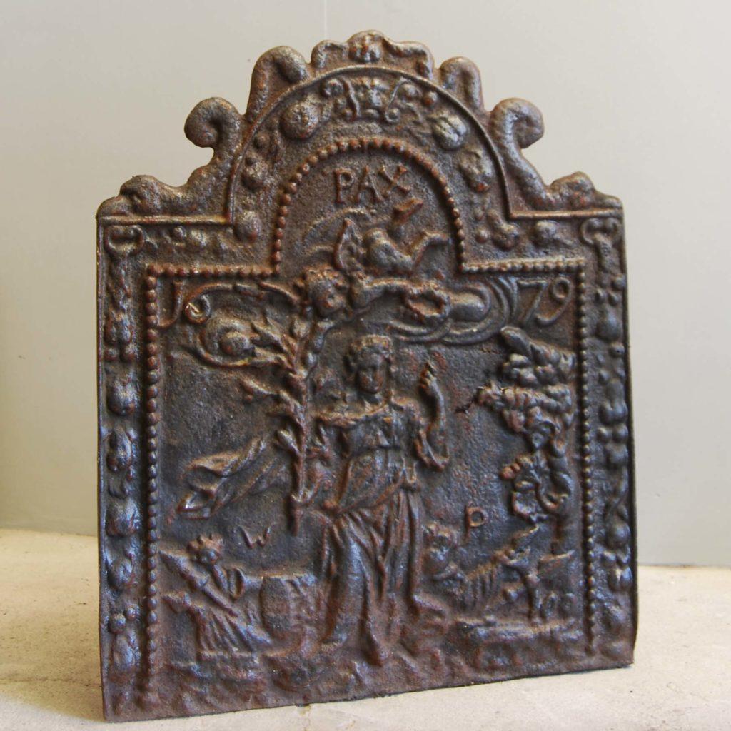 An English cast iron fireback-132824