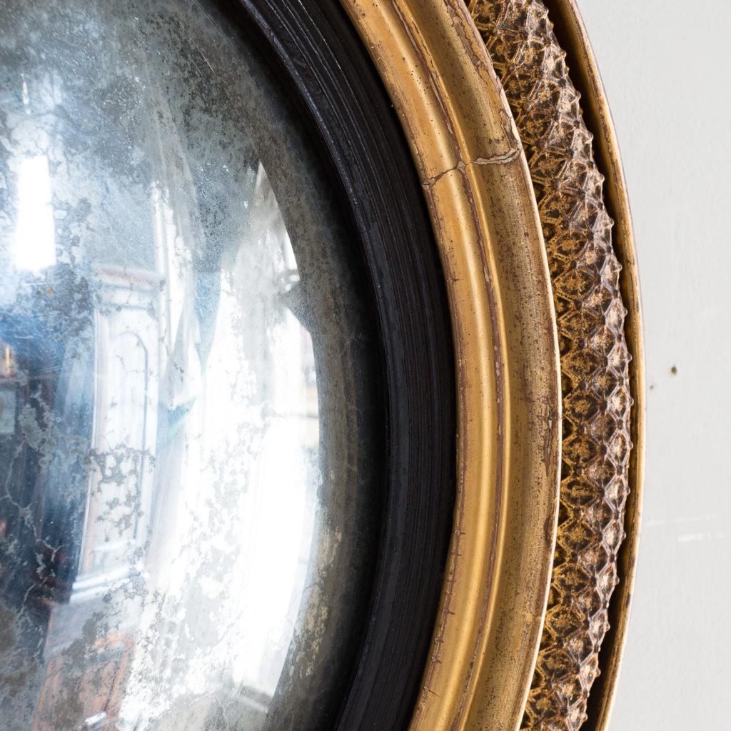 Regency gilded convex mirror,-132520