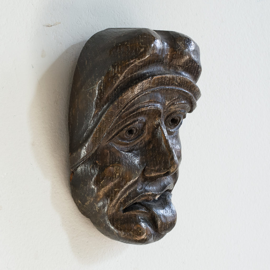 Early twentieth century carved oak grotesque mask,-133604
