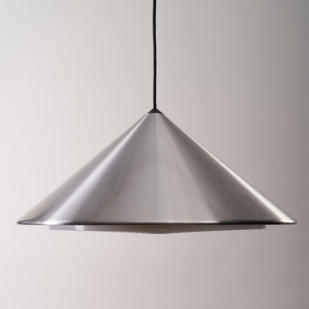 A pair of conical pendant lights,-136126