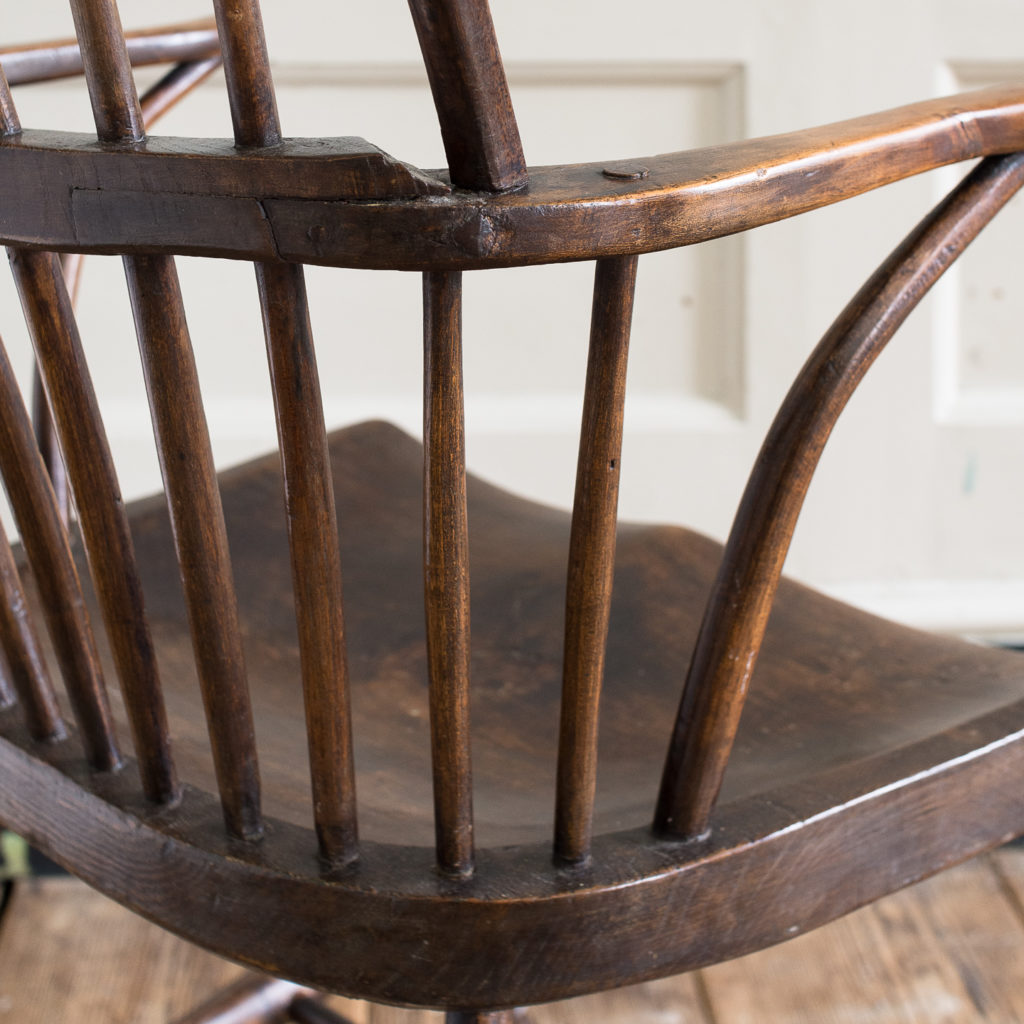 Late eighteenth century West Country Windsor chair,-135252