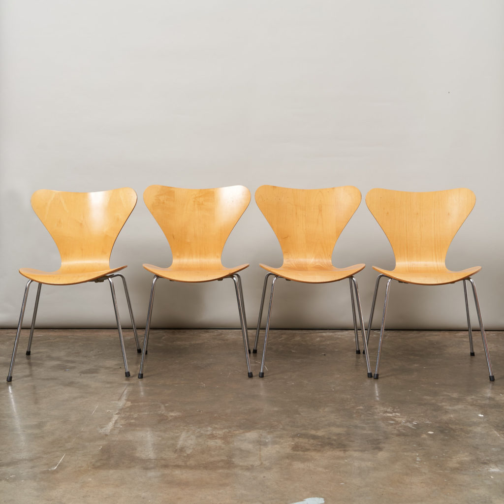 Set of Fritz Hansen series 7 dining chairs,-136767