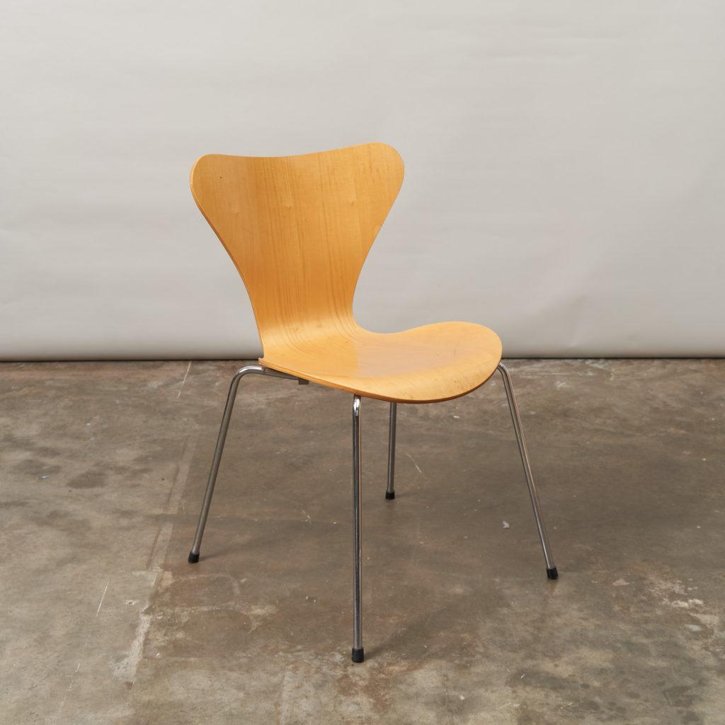 Set of Fritz Hansen series 7 dining chairs,-136770