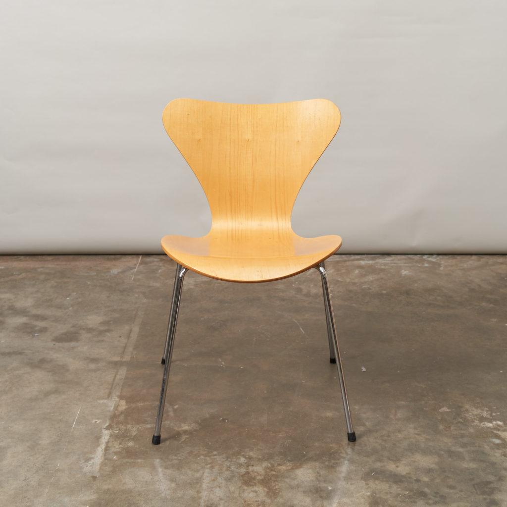 Set of Fritz Hansen series 7 dining chairs,-136771