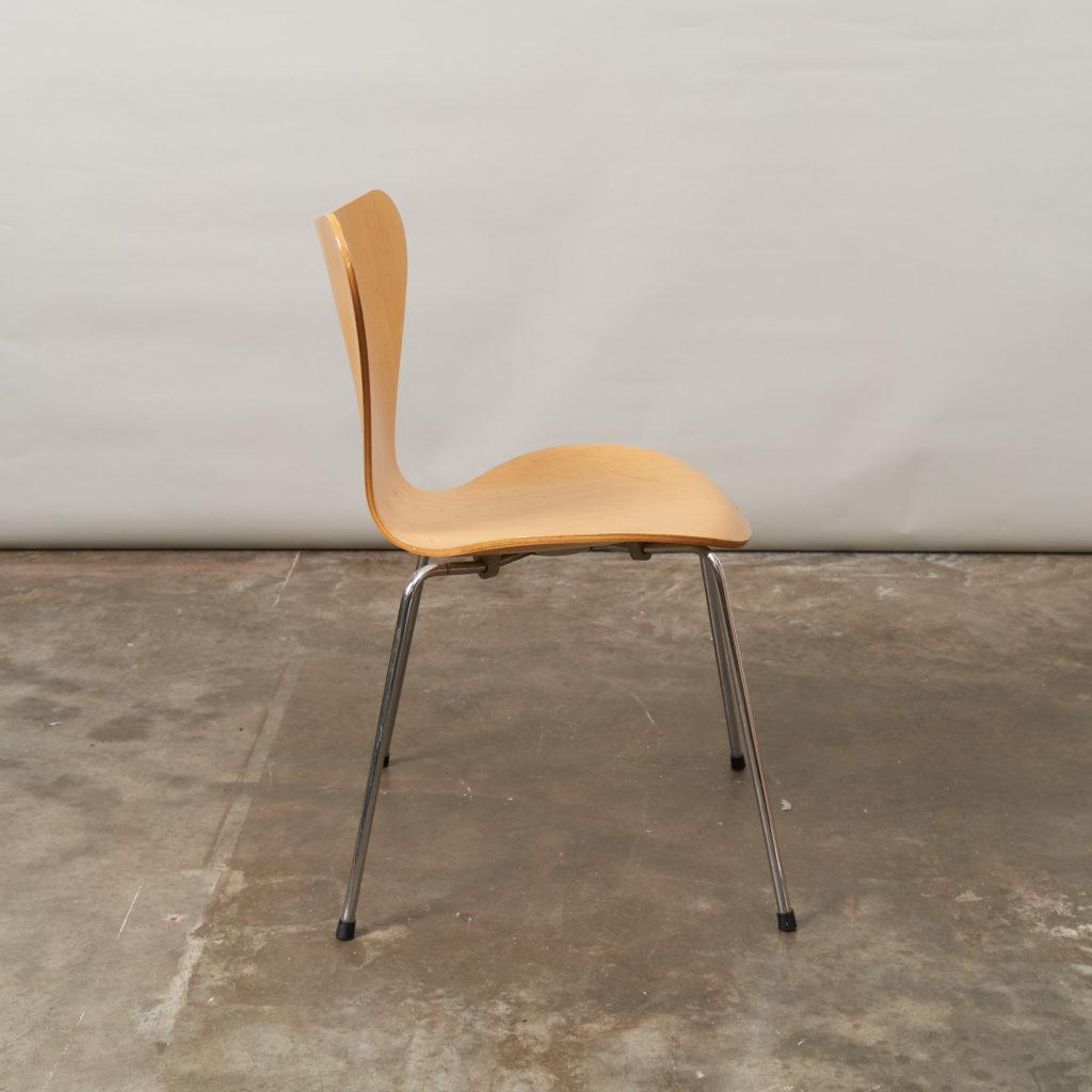 Set of Fritz Hansen series 7 dining chairs,-136772