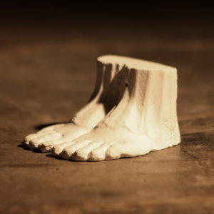 carytid feet