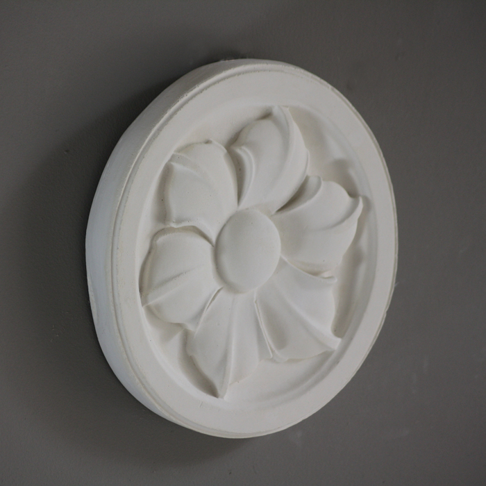 Hexapetalous roundel