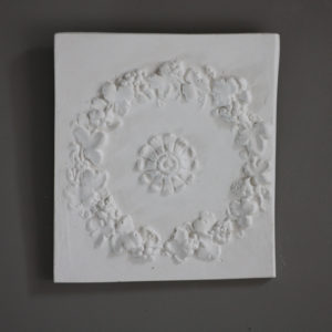 Floral wreath plaque
