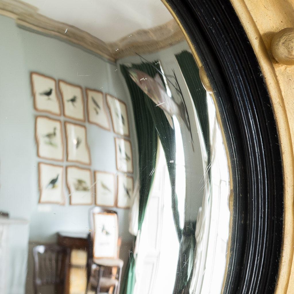 Regency style giltwood convex mirror, -137688