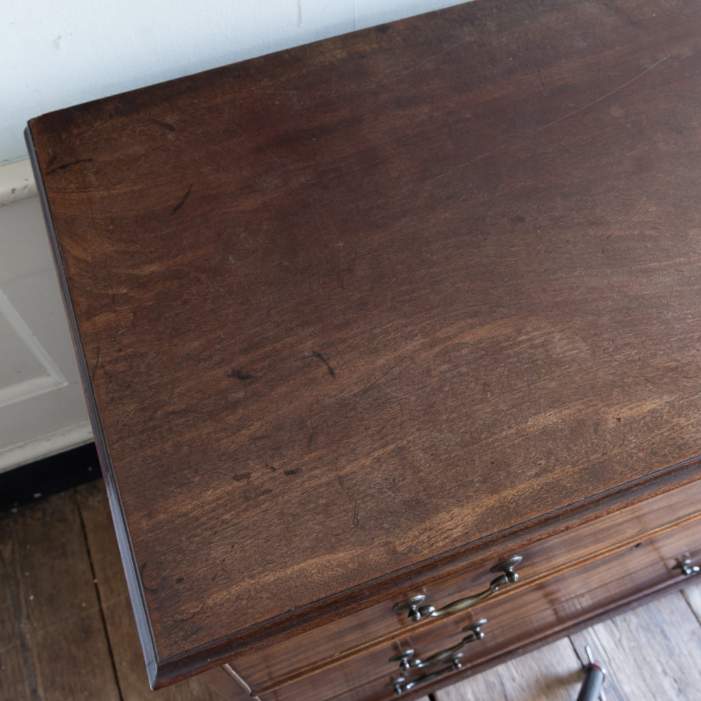 George III mahogany chest of drawers, -138112
