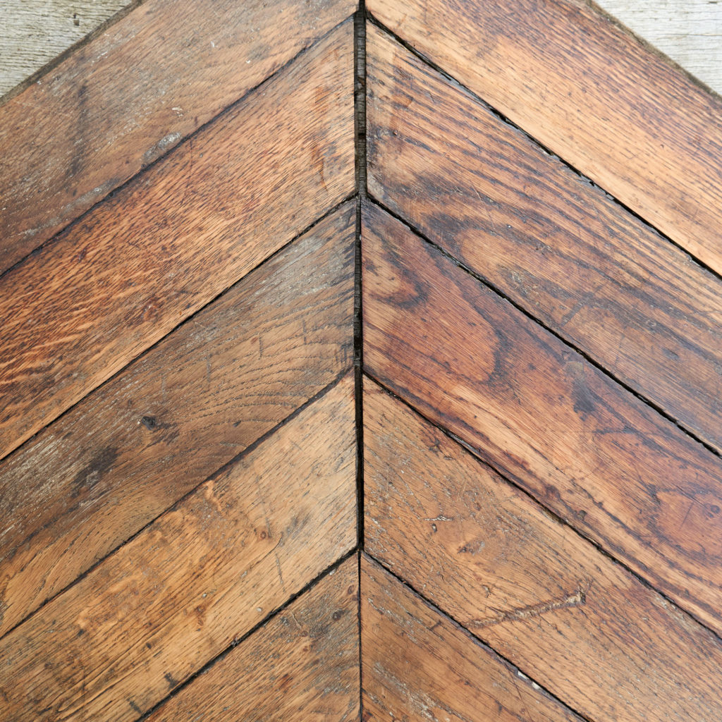 Reclaimed Antique Oak Chevron -137801