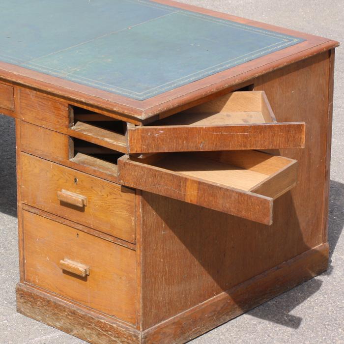 An Art Deco oak pedestal desk,-138828