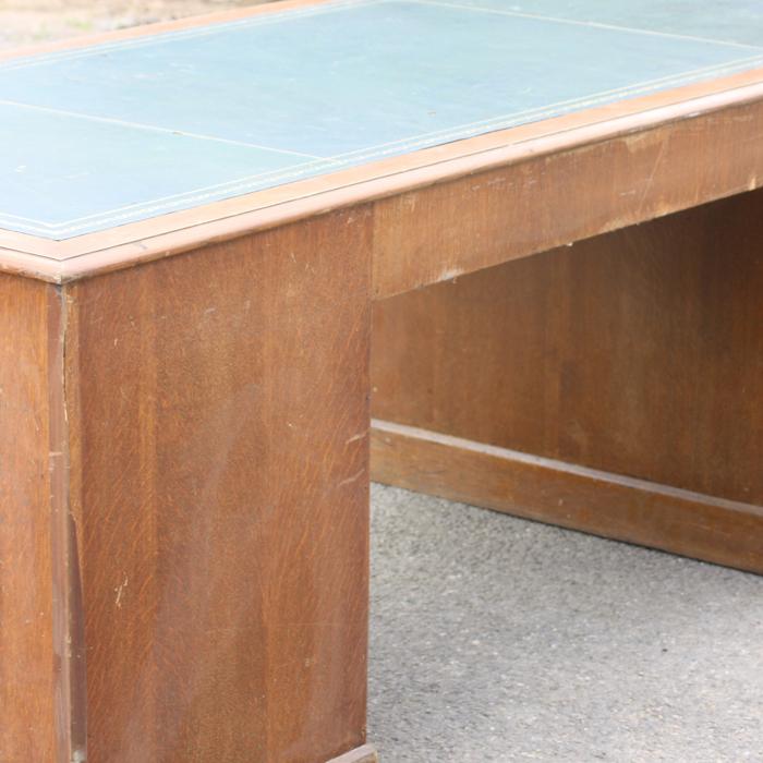 An Art Deco oak pedestal desk,-138830