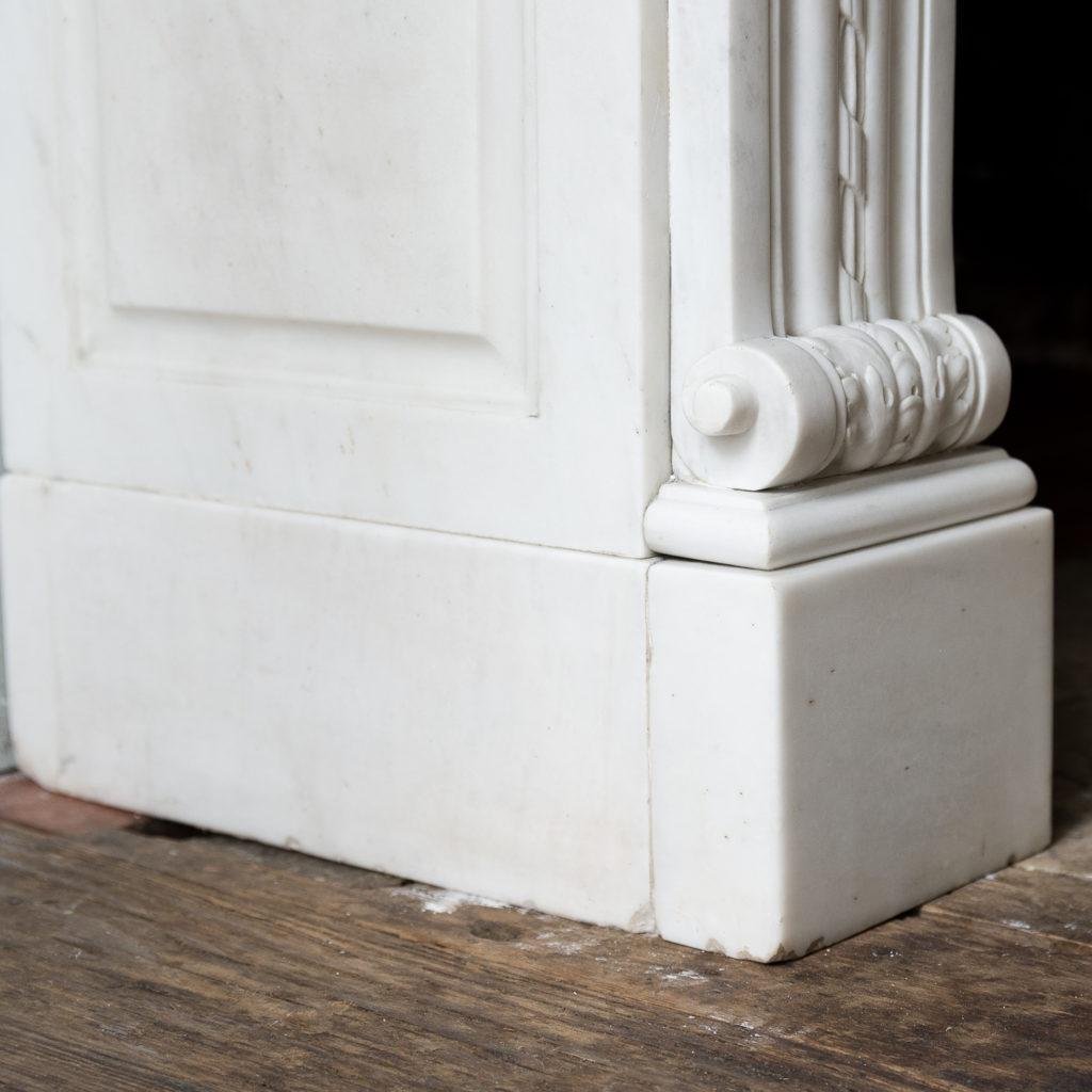Fine Louis XVI Carrara marble fireplace, -138453