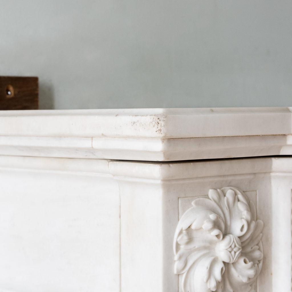 Fine Louis XVI Carrara marble fireplace, -138456