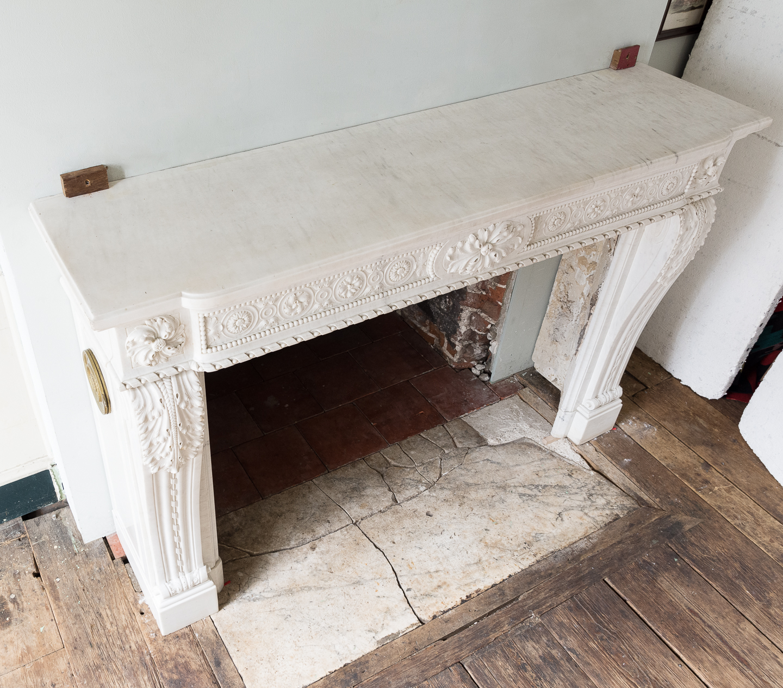 Fine Louis XVI Carrara marble fireplace, -138459