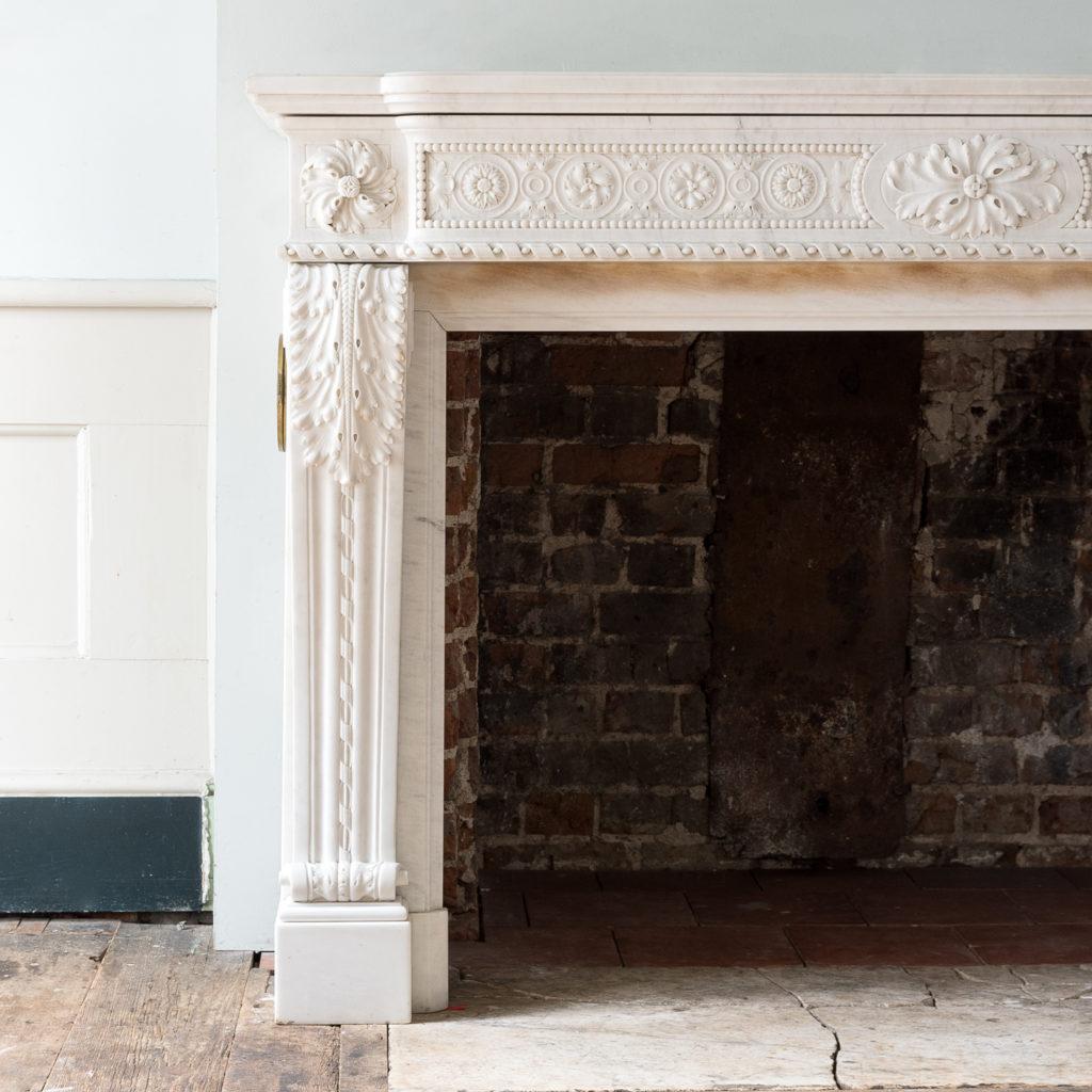 Fine Louis XVI Carrara marble fireplace, -138439