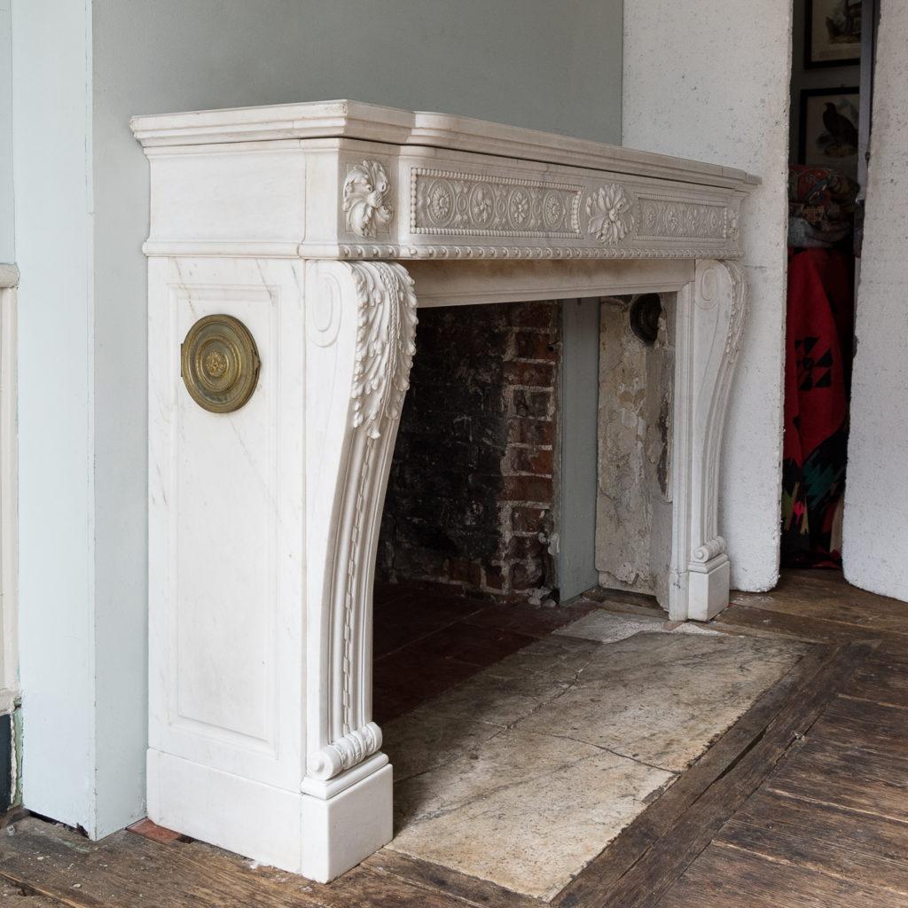Fine Louis XVI Carrara marble fireplace, -138442