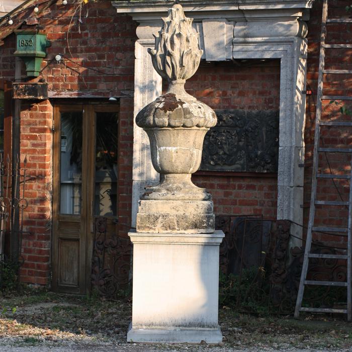 Stowe urn