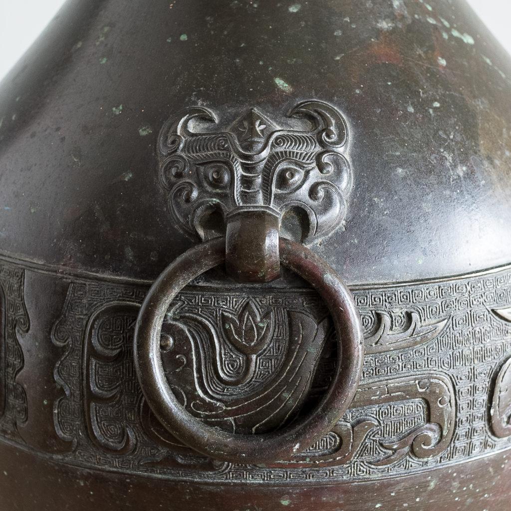 Bronze vase in the Hu-form,-140028