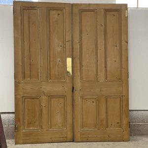 Pair of Victorian room dividing doors