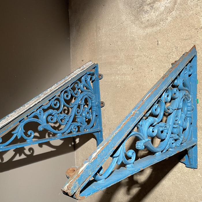 canopy brackets