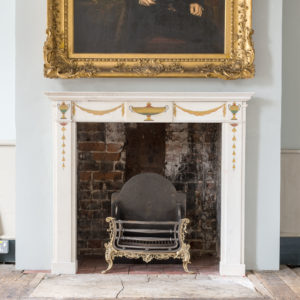 Elegant early twentieth century Statuary marble neo-classical fire surround,