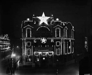 Oceanic House illuminations for the Coronation of King George V